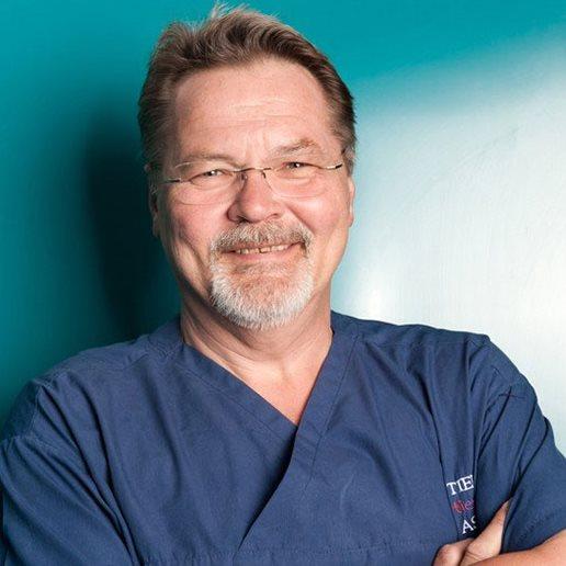 dr. MARKUS KASPER